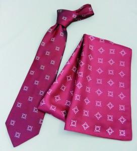 ネクタイとスカーフ